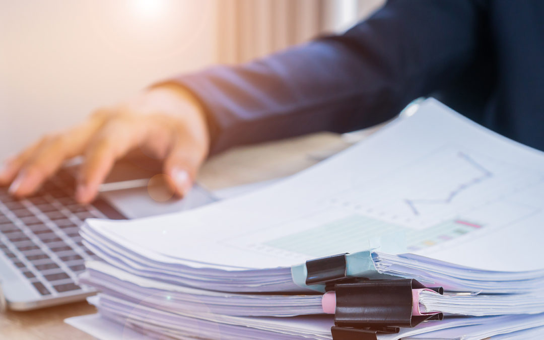 Qual a melhor forma de controlar os custos em uma indústria?
